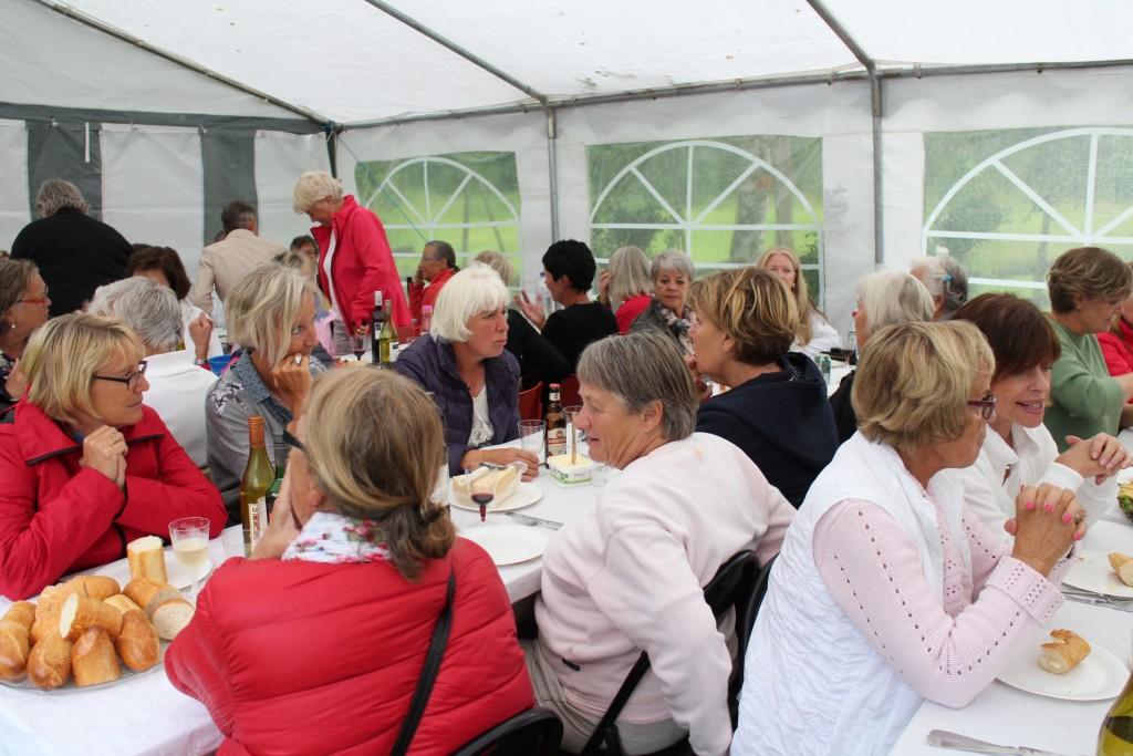 Tältet till den efterföljande festen fanns som vanligt på Maggies gård mellan hål 10 och 11 på Västra.